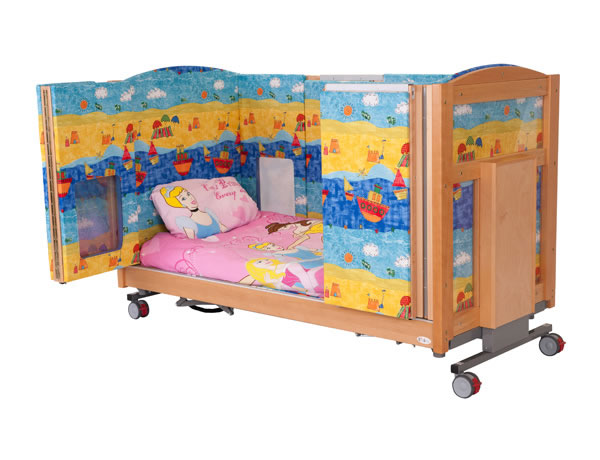 Mascot cot bed with padded sides