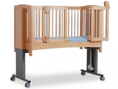 cot with height adjustable legs