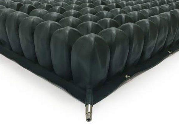 Air filled dry flotation mattress